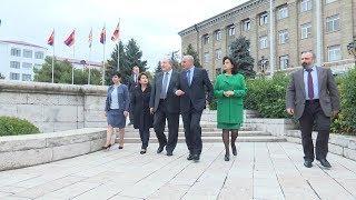 ՀՀ նախագահ Արմեն Սարգսյանը տիկնոջ հետ Արցախում է
