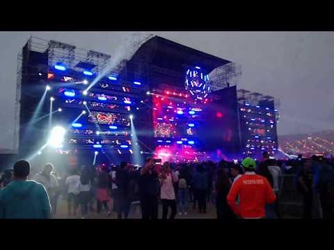 Me Llueven - Bad Bunny sonando en ROAD TO ULTRA PERÚ 2017
