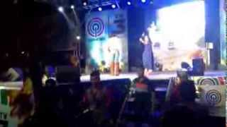 "Chinito by Jodi Sta. Maria with Richard Yap ""kulet moment""  @ Melvin Jones Park Baguio City 030114"