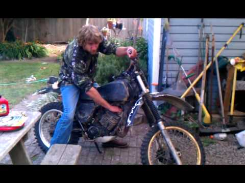 1979 Yamaha Dirt Bike 175. First start after 3 years! Champ!