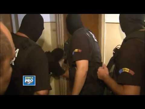 Strongest Door Ever ! Police Can`t break door ! (Door Win vs Police Fail)