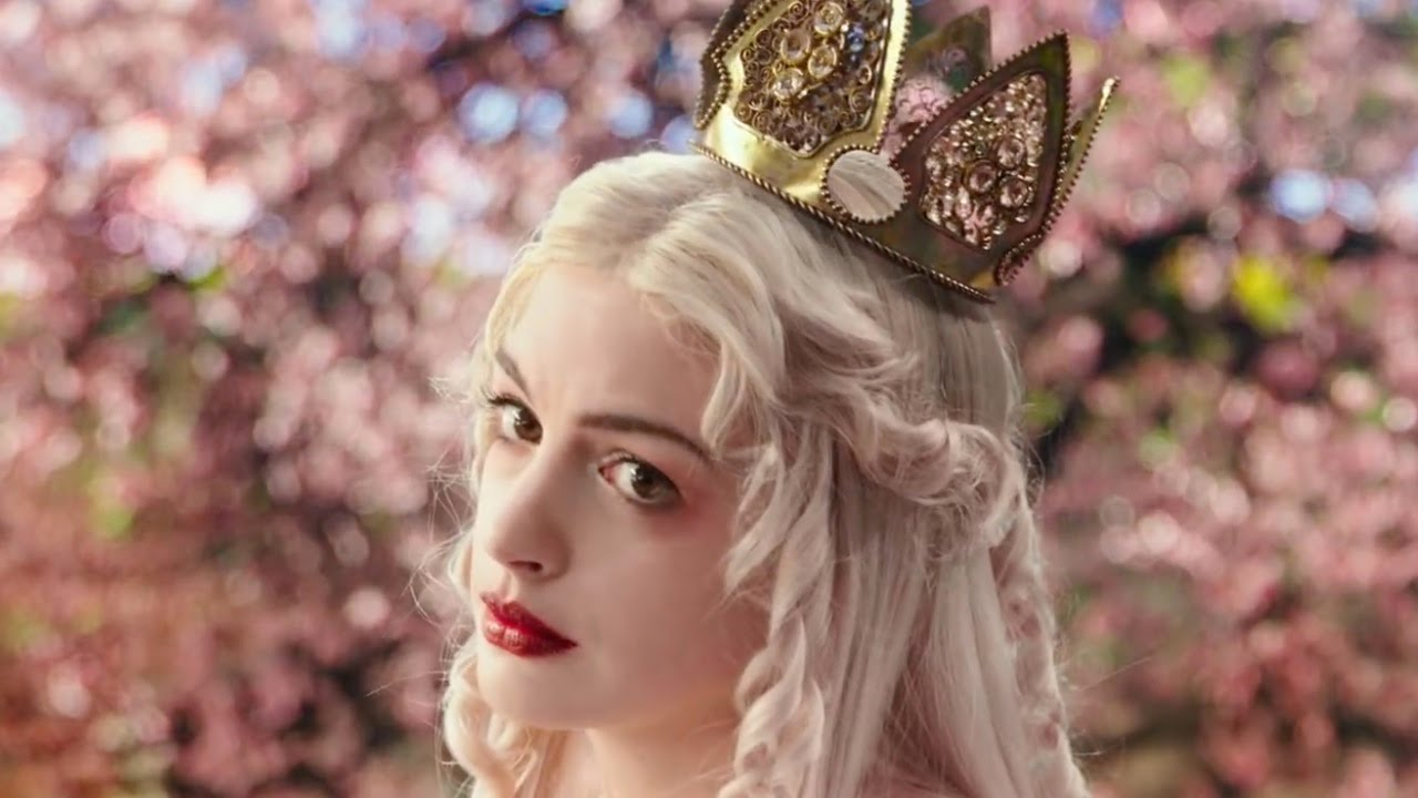 Alice Through The Looking Glass - Extended Look  Official -3594