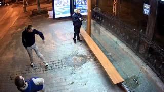 Вандалы на остановке в центре Севастополя
