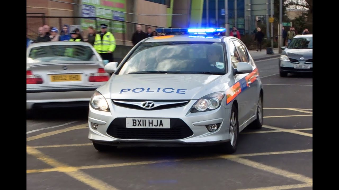 metropolitan police hyundai i30 responding youtube. Black Bedroom Furniture Sets. Home Design Ideas