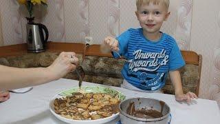 готовим печенье разной формы и поливаем его шоколадом cooking cookies with chocolate