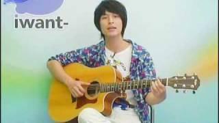 嚴爵現場吉他彈唱「我喜歡(不,我愛)、愛就是咖哩」