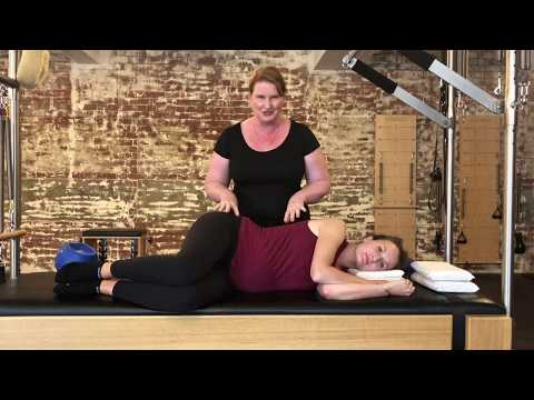 Safe exercise while being pregnant - Side lying