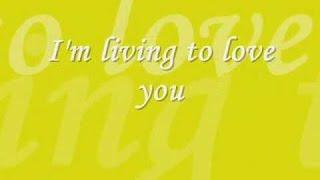 i'm living to love you Karaoke