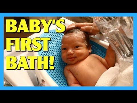 Baby's First Bath! - AprilJustinTV