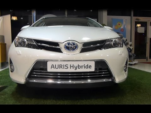new auris hybrid toyota nouvelle auris hybride inside outside youtube. Black Bedroom Furniture Sets. Home Design Ideas