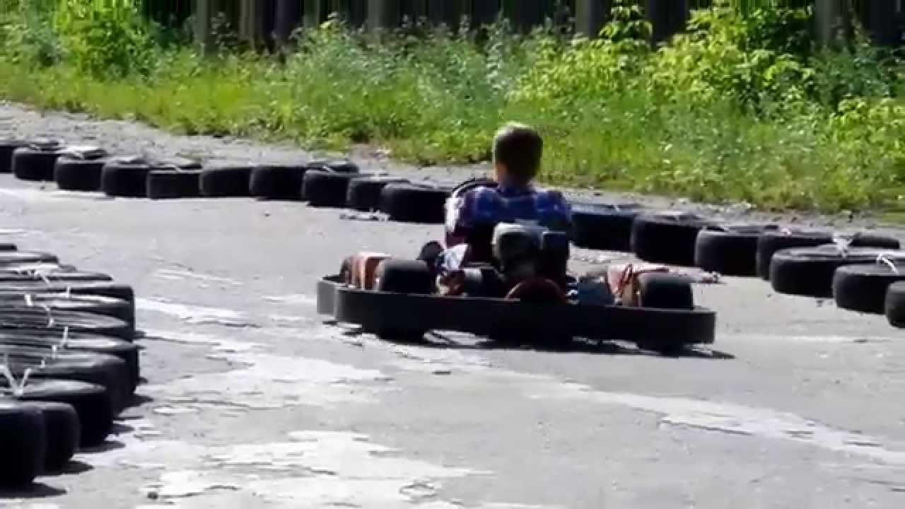 Шумахер отдыхает!!! заезд сына на картинге...