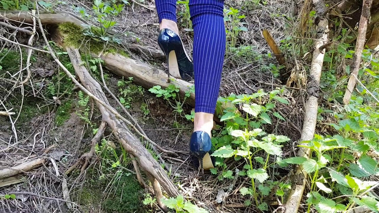 How to Walk in High Heels?