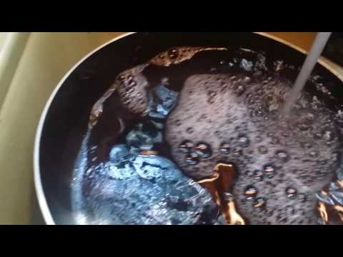 Cleaning a scorched non stick skillet, using pinterest hacks  (part 2)