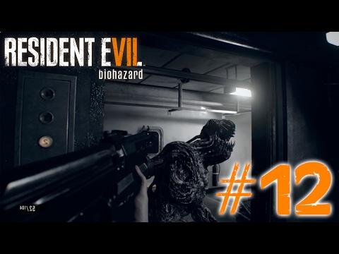MIA JUGANDO AL DOOM   PS4   RESIDENT EVIL 7 VR #12