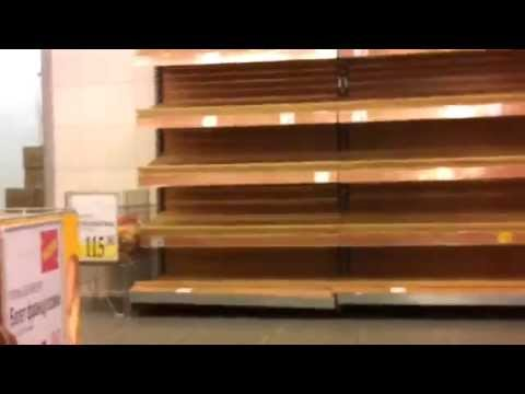Bread and empty shelves in Moscow, 2014