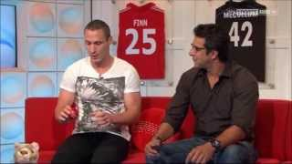 Wasim Akram & Simon Jones: How to swing a cricket ball
