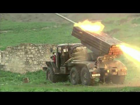 Россия прилагает новые дипломатические усилия, чтобы урегулировать конфликт в Нагорном Карабахе.