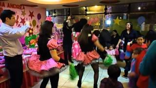 Bailes de integraci�n entre Ni�os y Grandes