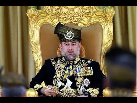 Sultan Muhammad V steps down as King