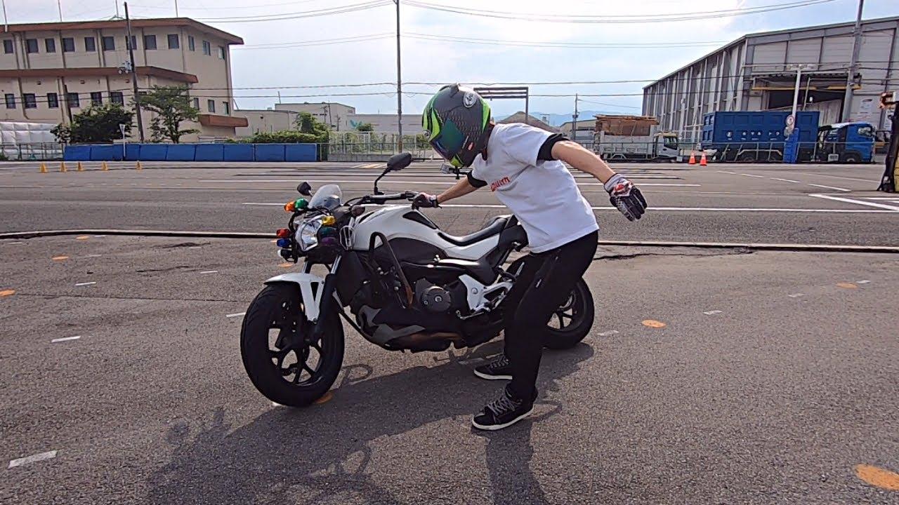 大型バイクを片手で引き起こしてみた