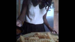 Simple Snacks With Sidney: Chili Cheese Fries