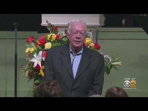 Former President Jimmy Carter Breaks Hip