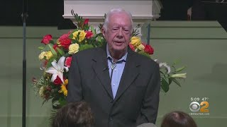 Former President Jimmy Carter Breaks Hip