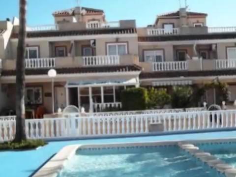 105 000 euros gagner en soleil espagne une maison des maisons incroyables bord de mer. Black Bedroom Furniture Sets. Home Design Ideas
