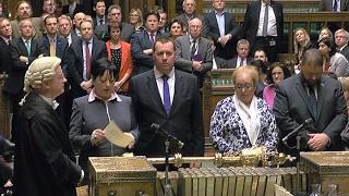 El parlamento británico dio media sanción al Brexit