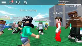 Me playing ROBLOX ft(starcyprss904)