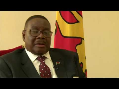 Malawi's president 'ashamed of albino attacks'   BBC News