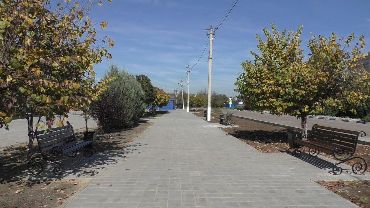 В с. Новоукраинское отреставрировали площадь в рамках программы «Комфортная городская среда»