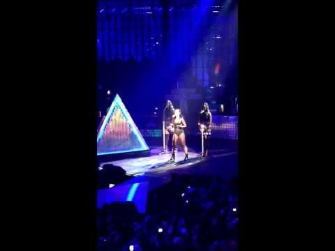 Katy Perry - By the Grace of God. Exclusive live at iTunes festival Camden roundhouse. Greg Wells