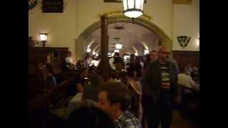 Ховбраухауз. Мюнхен. 2013 год.(Самый большой в мире пивной ресторан Ховбраухауз, Мюнхен. 4000 посадочных мест! Функционирует с 1607 года., 2013-07-18T05:15:25.000Z)