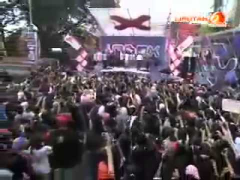 SMASH Pahat Hati Live At INBOX [08-04-2013]
