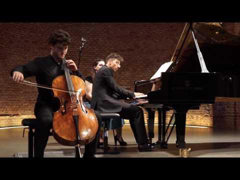 Gabriel Schwabe, Nicholas Rimmer play Schumann Adagio&Allegro Op.70