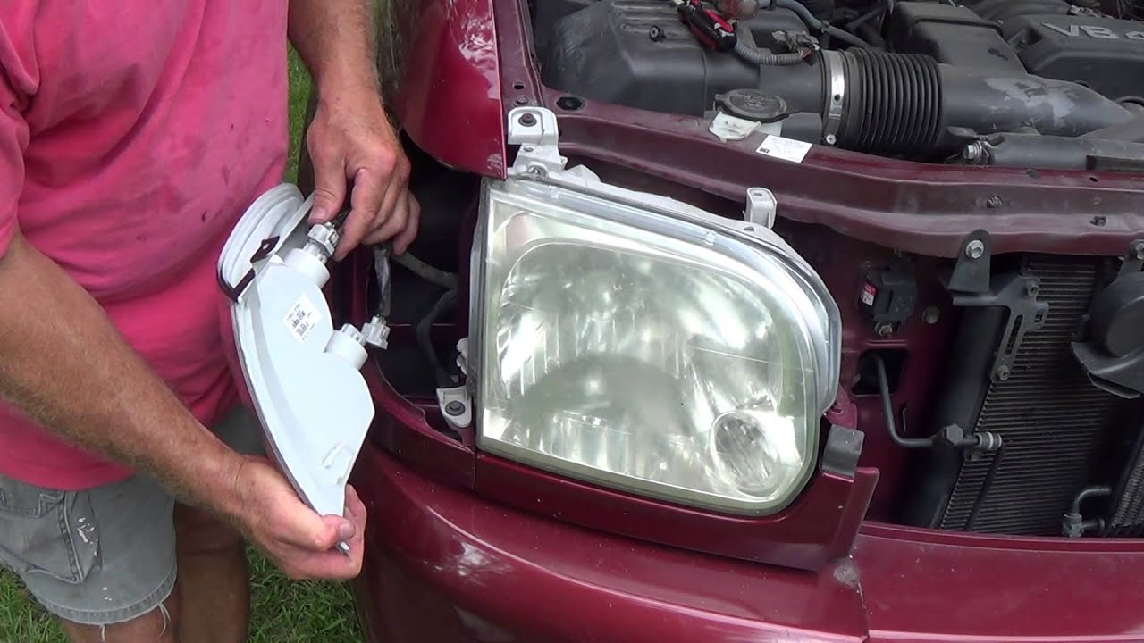 how to replace a turn signal light or lamp or entire housing on 2006 2006 tundra hid headlights 2006 tundra headlight diagram [ 1280 x 720 Pixel ]