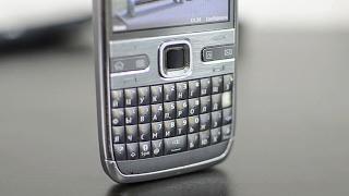 мобильный телефон Nokia E72 обзор
