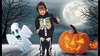Richard chooses a Halloween costume for kids