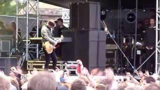 Sum 41 - Black Sabbath, Motorhead & Metallica mash (live @ Rock For People = 03-07-11)