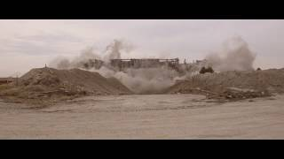 4 Cams - Close ups of the old girl coming down at the Pontiac Silverdome Implosion (SLOW MOTION)