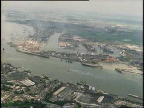Tilbury Docks from the air - London - River Thames - 1980