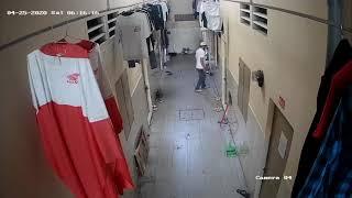 Video quay được cảnh trộm xe trong dãy phòng trọ
