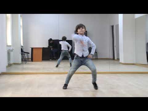 Мальчик Просто Супер Танцует Лезгинка 2019 ( Адыгейские Песни )
