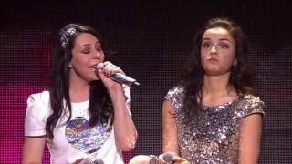 """""""K6"""" brengt een medley (live)   K3 Loves You   VTM"""
