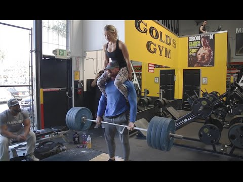 Just Lifting at the Mecca | Golds Gym Venice