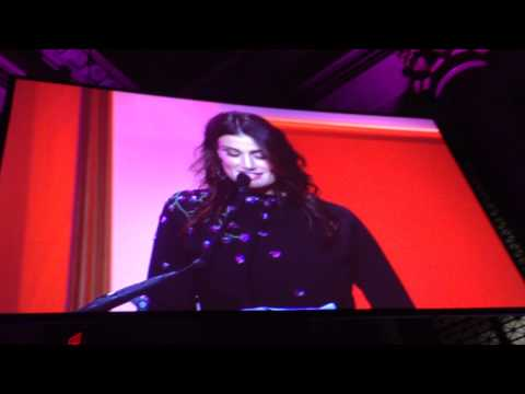 Idina Menzel Gives THE BEST Speech At The 2014 Billboard Women In Music!