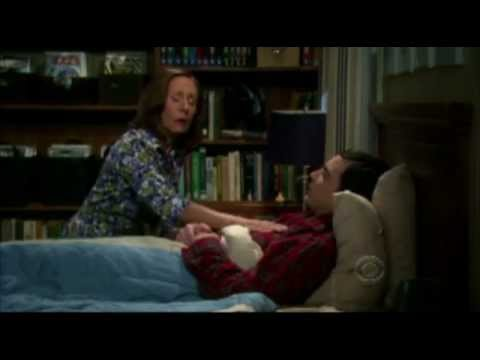 SHELDON'S MOM SINGING SOFT KITTY (the big bang theory)