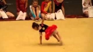 Художественная гимнастика дети(Супер девочка , зажигалка ..., 2014-05-14T21:21:09.000Z)