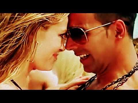 Akshay Kumar HOT Kissing Scene in Tashan movie